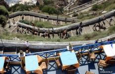 Santorini - zejście do portu