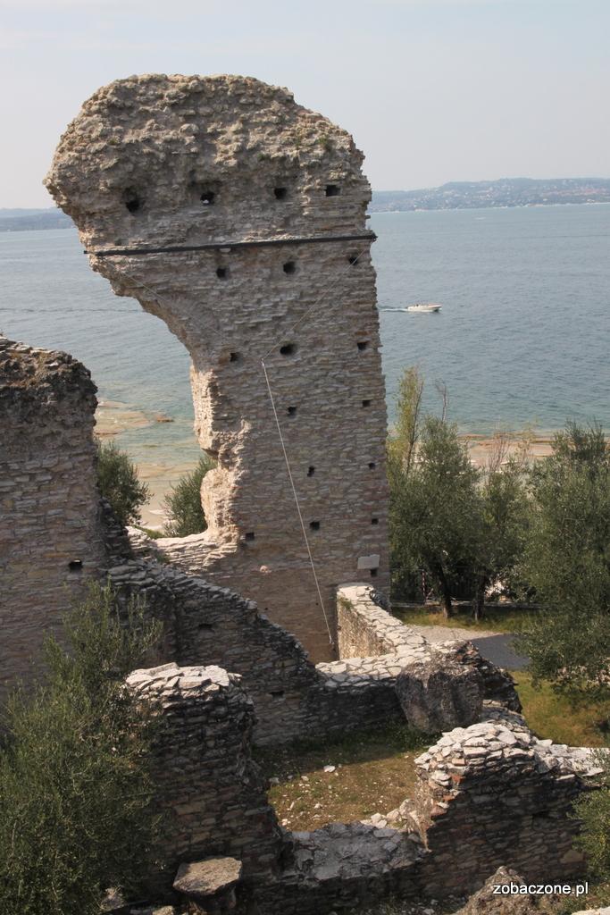 Grotte di Catullo - rzymskie ruiny w Sirmione