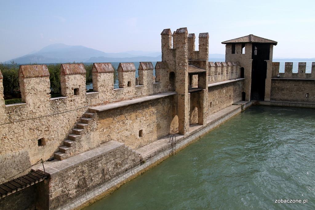 Mury zamku w Sirmione