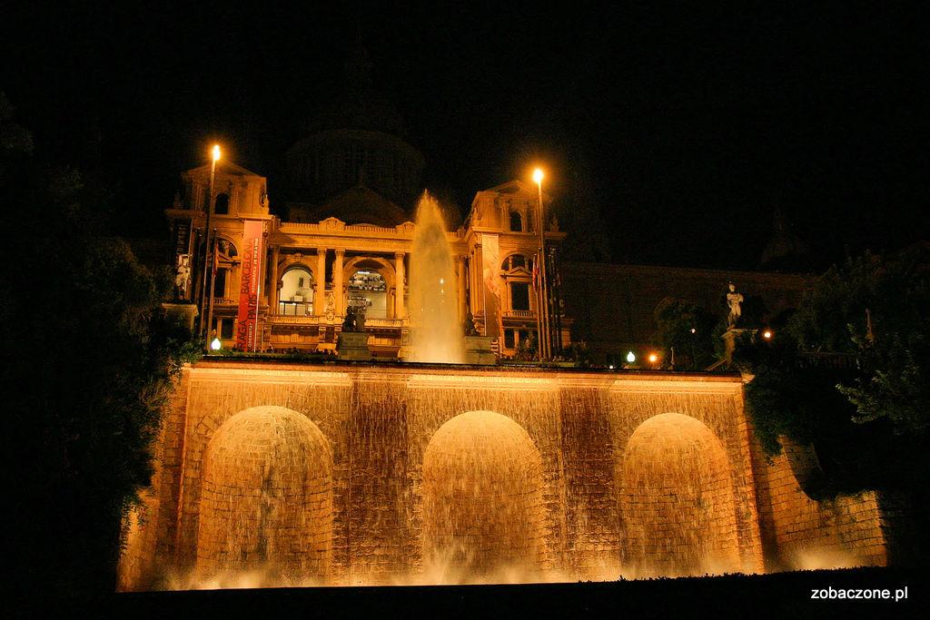 Fonta Magica - magiczna Fontanna Barcelona