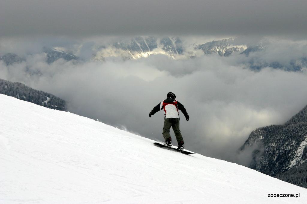 Snowboard nad chmurami