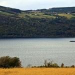 Jezioro Loch Ness jest długie i stosunkowo wąskie