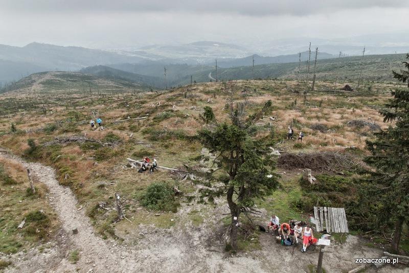Ze szczytu Baraniej rozciągają się wspaniałe widoki. Trzeba tylko trafić na dobrą pogodę.