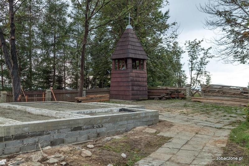 Odbudowa spalonego kościoła na Stecówce