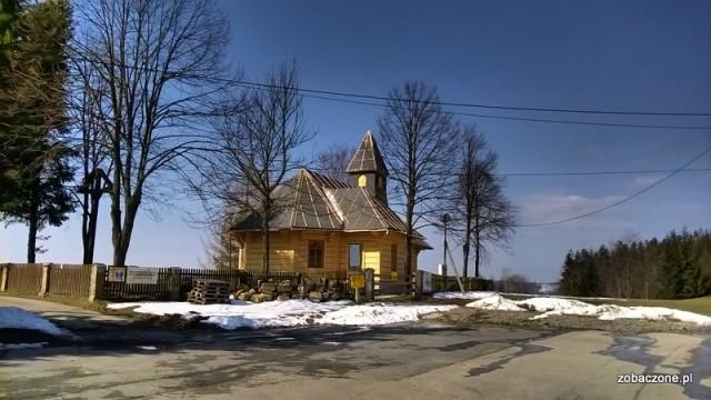 Nowy kościółek na Stecówce - kwiecień 2015