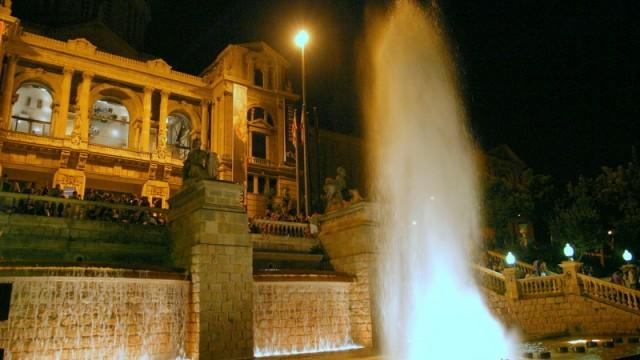 Wieczorem warto tutaj wrócić na pokazy fontann